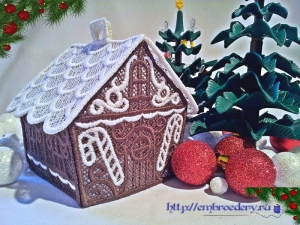 Вышитый пряничный домик из кружева