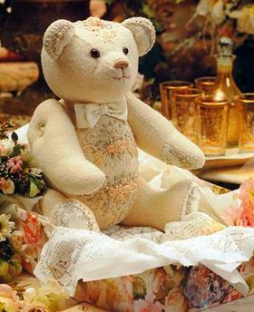 Вышитый Мишка Тедди